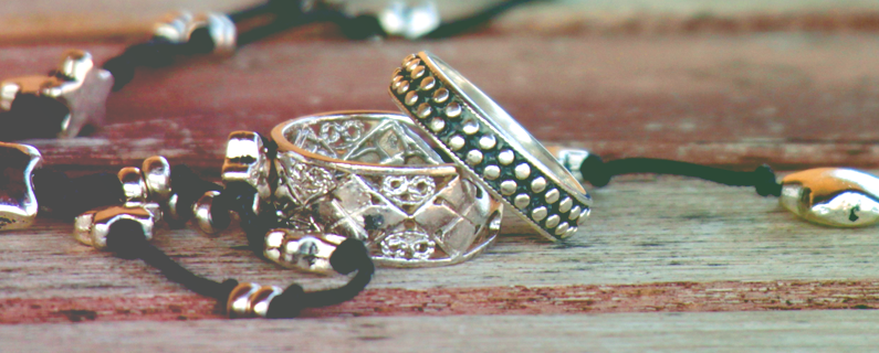 Jewelry.com Increases Revenue Across Customer Journey with Personalized Recommendations (Case Study)